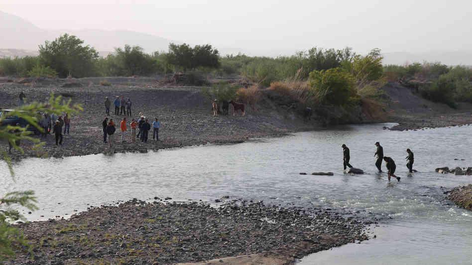 Border crossing at the Rio Grande.