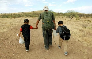 Illegal-Kids-Cross-US-Border