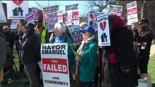 ct-lathrop-homes-redevelopment-protest-video-20160321