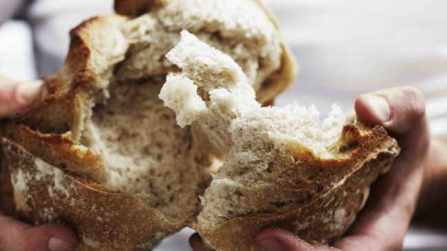 breaking-bread_650x366